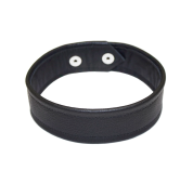 EXTACT MATCH: The lair Choker // http://www.thelair.bigcartel.com/product/l-a-i-r-leather-cleopatra-choker-black